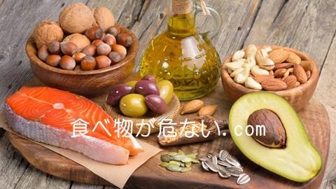 亜麻仁油やえごま油は単品NG!一緒に食べたい2つの栄養素。アボカド、アーモンドなど。