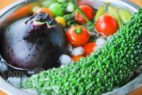 というのも、トマトやきゅうり、ナス、レタス、アボカドなどの夏野菜は、体を冷やす作用があります。