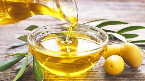 コレステロールを上げる油と下げる油|正しい油の摂り方で動脈硬化を防ぐ